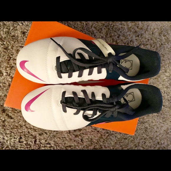 Nike Shoes - NIKE Women's CTR360 Soccer Cleats. Size 7.5 NWT
